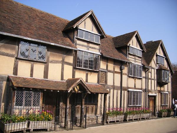 Navštivte Stratford-upon-Avon, historické městečko a rodiště Williama Shakespeara | © ell brown