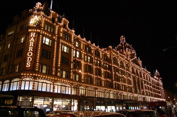 Harrods v Londýně: Obchodní dům, kde prý seženete úplně všechno | © sonewfangled