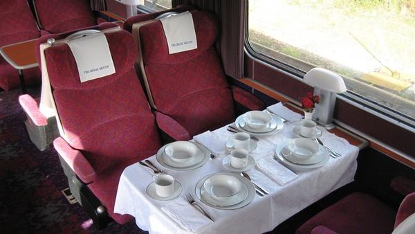 Nechte se svézt po britském venkově parním valentýnským expresem! | © Train Chartering & Private Rail Cars